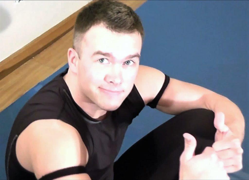 Bruce vs Monroe - Mixed Wrestling! - 2014