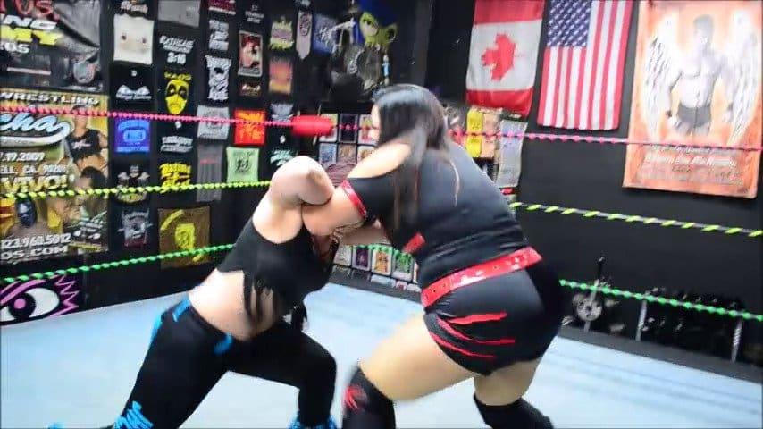 UWW - Ruby Raze vs Tab Jackson - BBW Female Wrestling