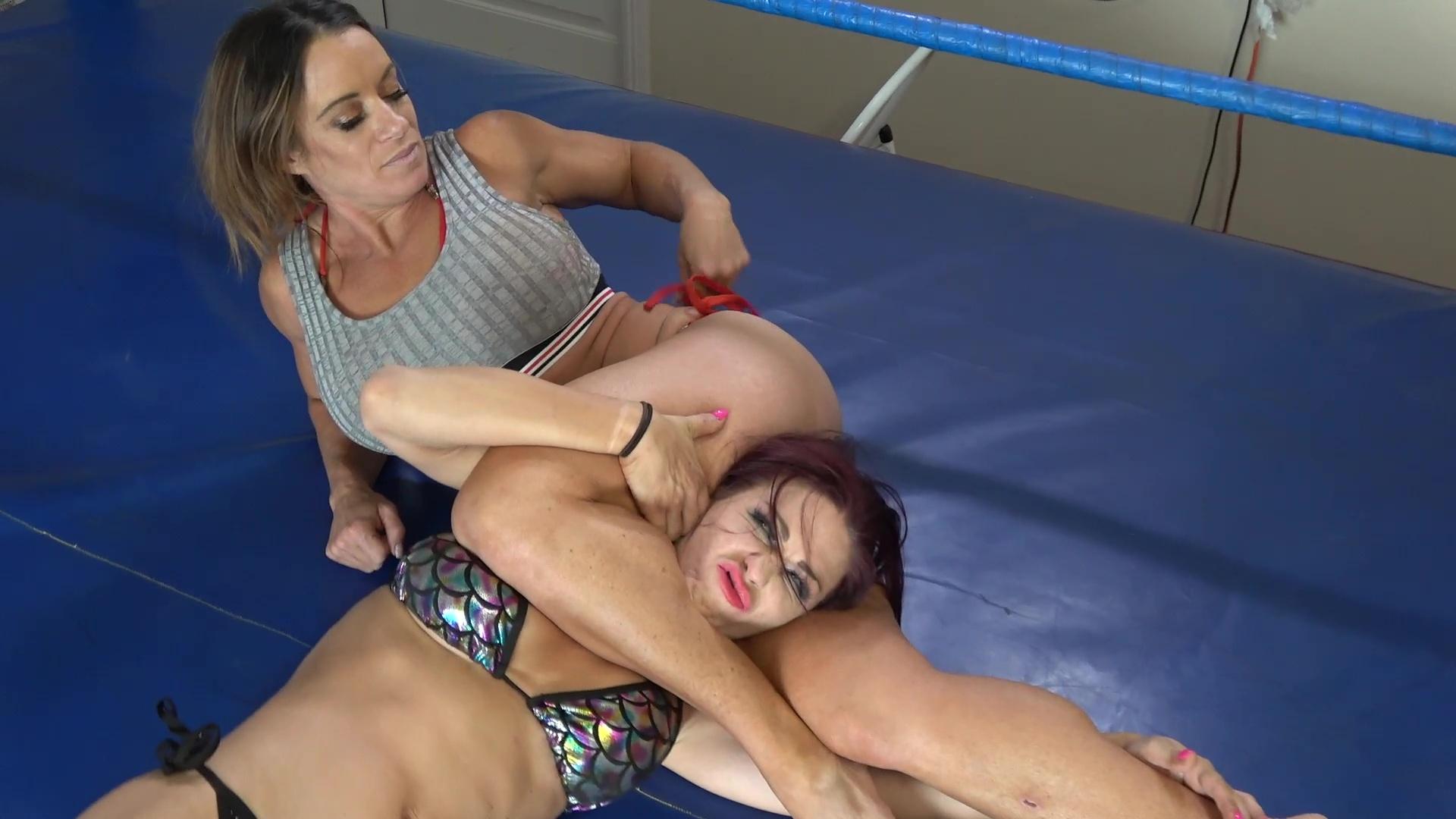 Jennifer Thomas vs Sarah Brooke - Wrestler vs Catfighter - Pro Women's Wrestling!