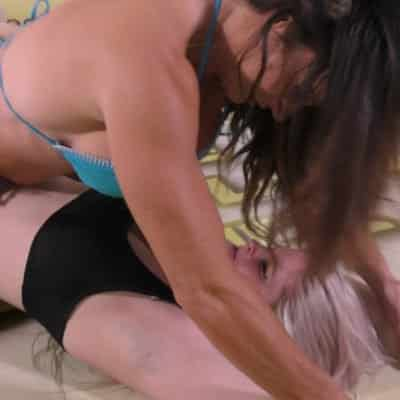 Rock and Roll - Rolling Catfight - Jennifer Thomas vs Monroe Jamison