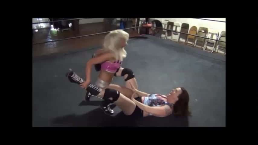 Christie Ricci vs Ray Lyn - Women's Pro Wrestling!
