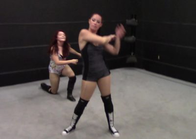 Betty Battles vs Diana Taylor - Hairpulling Pro Wrestling!