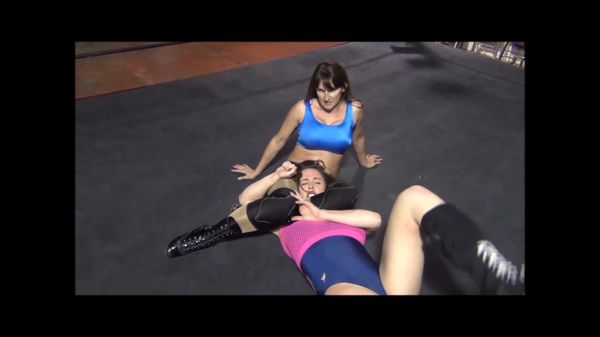 Figure 4 Headscissors - Christie Ricci vs Sin-D - Women's Pro Wrestling